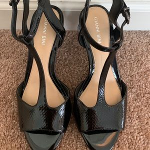 Giani Bernini patent leather heel sandal.
